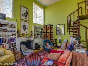 HR8610449 - Guest house interior